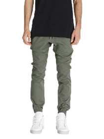 Sureshot Joggers In Olive