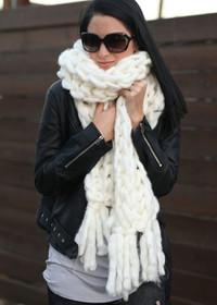 SJ Chunky Knit Scarf