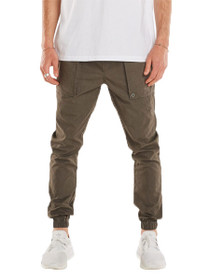 Tracer Cargo Jogger Pant in Pigment Peat