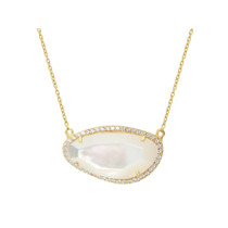 "Mother of Pearl 16"" Pendant Necklace in Gold"