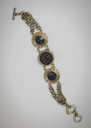 Grandmother's Buttons Victoria Bracelet