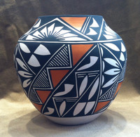 Pottery Acoma Polychrome E. Antonio_1 SOLD