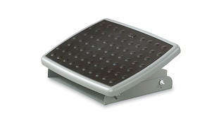 Helps keep your body properly aligned in an ergonomically ideal posture to reduce neck, back, and leg strain