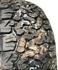 New Take Off Tire 285 65 20 BF Goodrich AT TA KO2 10 Ply BW LT285/65R20