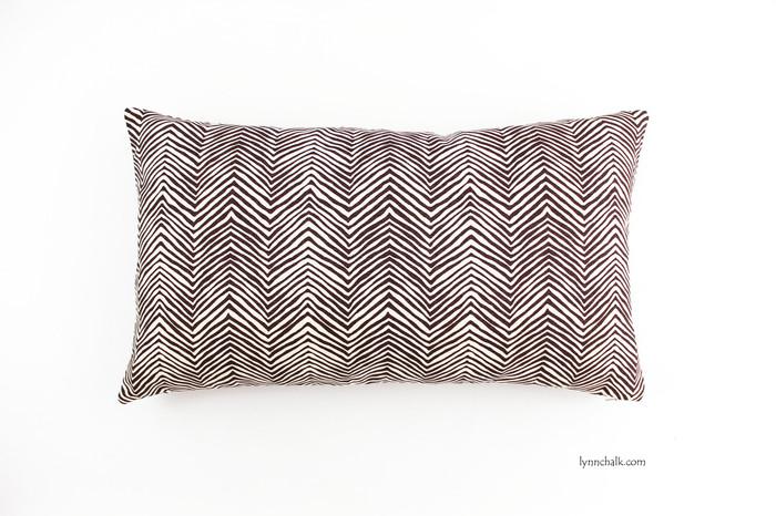 Pillow in Petite Zig Zag in Brown (12 X 20)