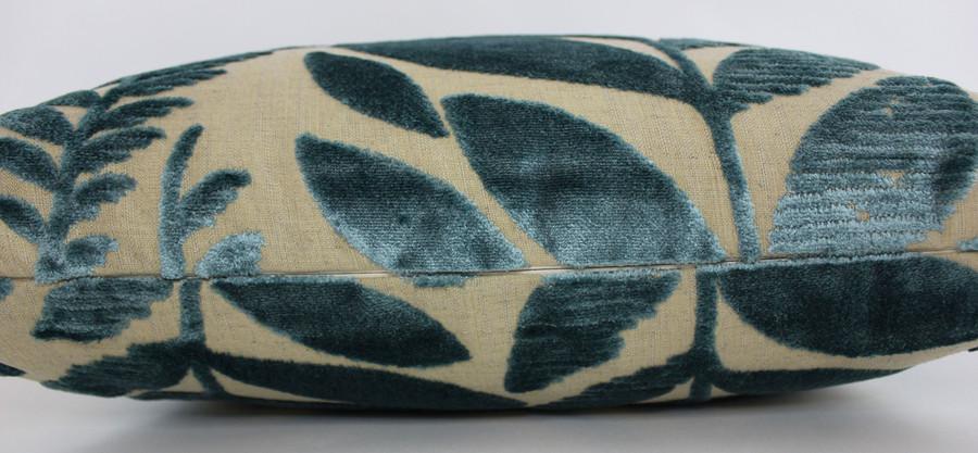 Pillow in Foglia Azure