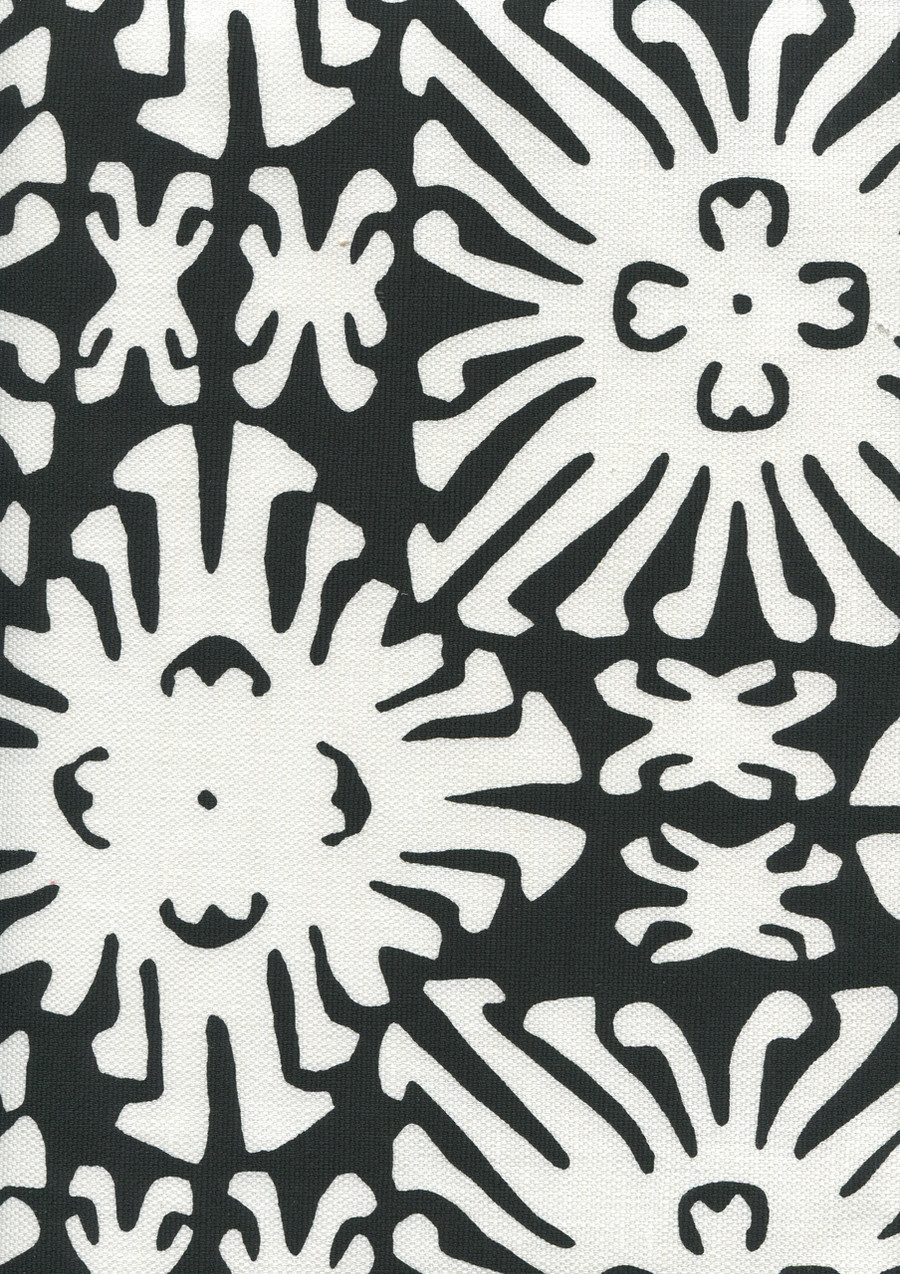 Sigourney Reverse Small Scale Black on white 2485 09
