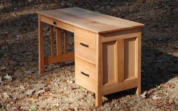 Quarter Sawn Red Oak Veneer Student Desk - Oakwood Veneer