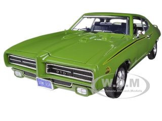 1969 Pontiac GTO Judge Green 1/18 Diecast Car Model Motormax 73133