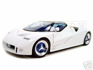 Ford GT 90 Diecast Model White 1/18 Diecast Model Car Maisto 31827