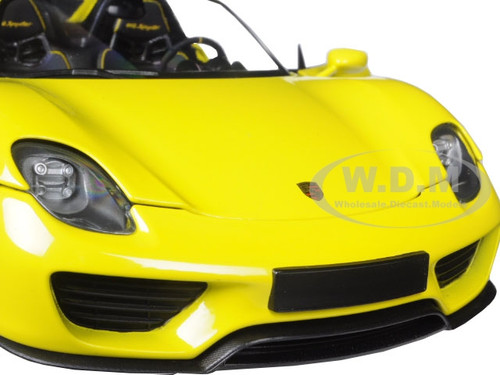 2013 porsche 918 spyder yellow ltd 504pc 1 18 by minichamps 110062434. Black Bedroom Furniture Sets. Home Design Ideas