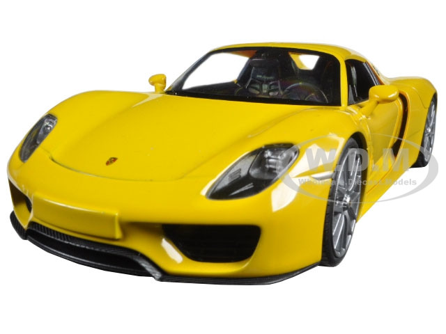 porsche 918 spyder yellow closed roof 1 24 diecast model car welly 24055. Black Bedroom Furniture Sets. Home Design Ideas