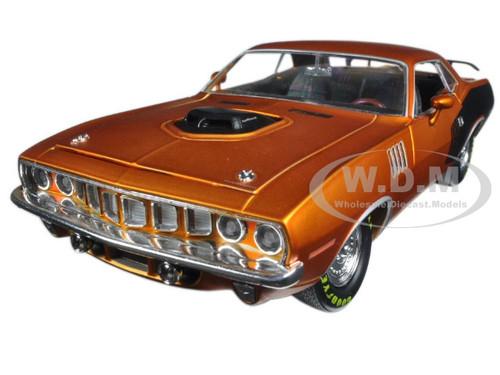 1971 Plymouth Hemi Cuda Satin Orange with oversized drag racing slicks 1/24 Diecast Model Car M2 Machines 40300-54B