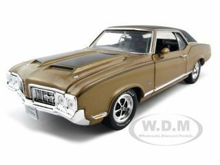 1970 Oldsmobile Cutlass SX Elite Edition 1/18 Diecast Model Car Autoworld AMM904