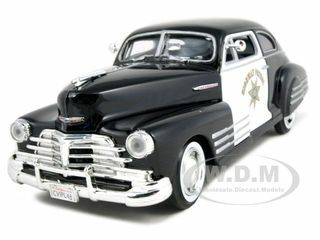 1948 Chevrolet Aerosedan Fleetline Highway Patrol Police 1/24 Diecast Car Model Motormax 76454