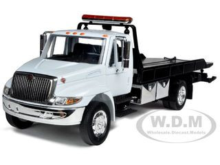 International Durastar 4400 Flat Bed Tow Truck White With Chrome Bed 1/24 Diecast Model by Jada 92351