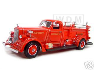 1939 American Lafrance 550 Fire Engine Red 1/24 Diecast Model Car Road Signature 20148