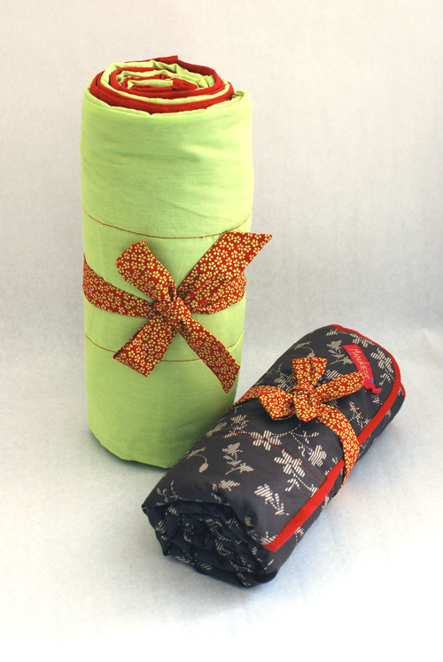 31'' x 31'' Brown & Lime Flower Stroller Blanket