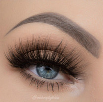 Nayeona lashes by makeupbytaren