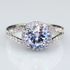 2.55CTW 2CT Center Round Cut NSCD Simulated Diamond Wedding Halo Engagement Ring