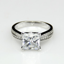 2.65CTTW 2CT Center NSCD Simulated Diamond Princess Cut Engagement Ring