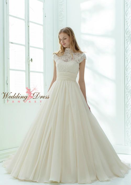 Sweetheart Wedding Dress with Keyhole Back