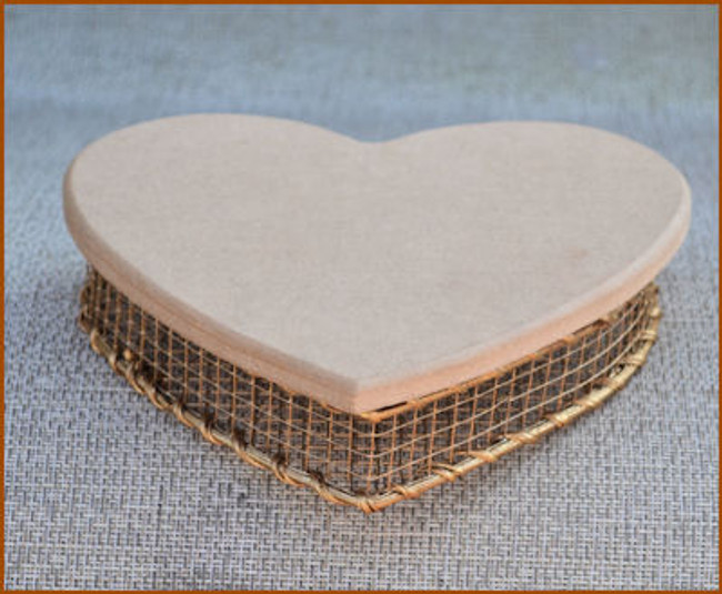 Basket - Gold Wire Heart W/Lid (118921)