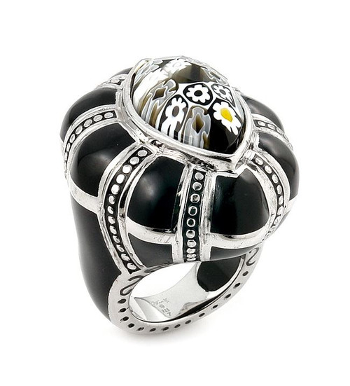 EXQUISITE COLLECTION FACETED BLACK AND WHITE MURANO GLASS MARQUISE RING