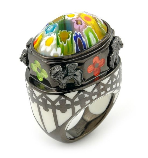EXQUISITE COLLECTION MURANO GLASS OVAL RING WITH BLACK RHODIUM AND LION ACCENTS