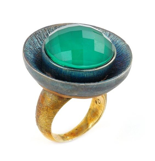 SIGNATURE AUTHENTICO GREEN AGATE ROUND FACETED DEMIQUARTZ DOUBLET RING WITH BRASS ACCENT