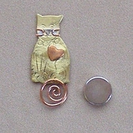 Magnetic Shawl Pin - Kitty
