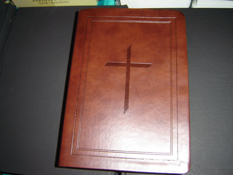 Ryrie Study Bible 2008: The Ryrie NASB Study Bible BLACK Genuine Leather VG