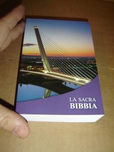 Italian Pocket Bible - La Sacra Bibbia La Nuova Diodati / Pocket Size Protestant Bible in Italian Language