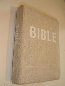 Czech Tan Clothbound Bible with Zipper / Bible Pismo Svate Stareho A Noveho Zakona