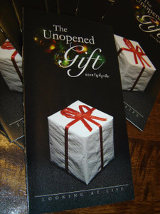 The Unopened Gift: Looking At Life / Thai Language Evangelism and Outreach Materials