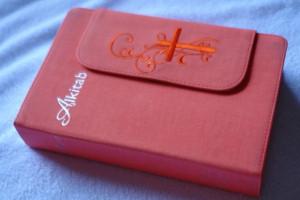 Alkitab Indonesian Bible / SPECIAL CLOTH CROSS DESIGN