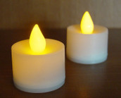 White LED Battery Candle - Natural Amber Flame Colour