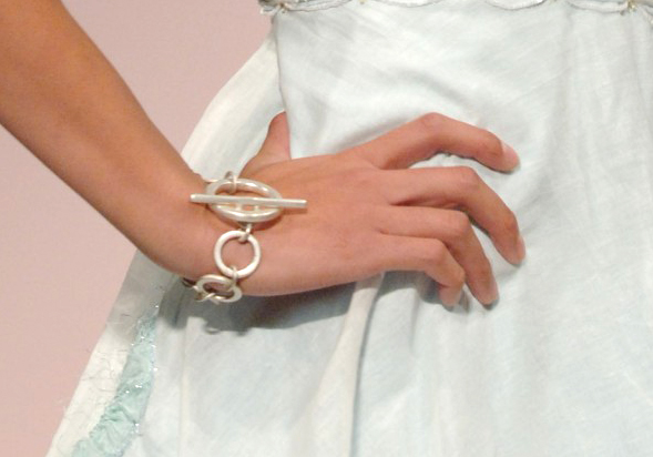 circles-bracelet-model.jpg
