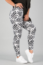 Pattern Print Leggings || 12
