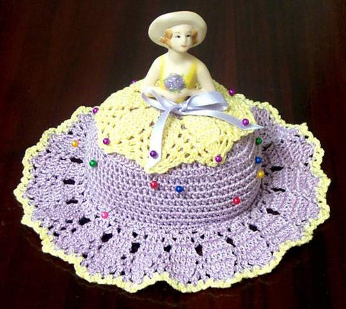 Knitting Patterns For Porcelain Dolls : CMPATC046 - Pin Cushion Hat with Porcelain Doll