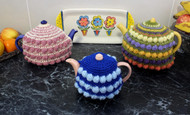 Craft Moods crochet pattern by Vicki Moodie, CMPATC108, Cluster and Cream Tea Cosy (3 sizes), featuring rows of clusters.