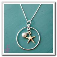 Treasures necklace with gold starfish and freshwater pearl