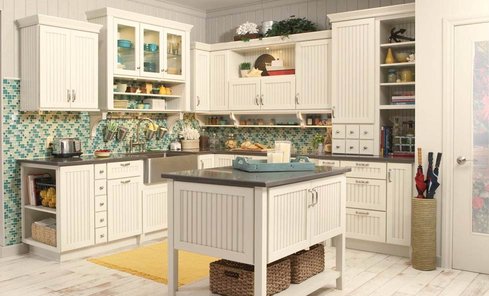 Merillat Classic Avenue Kitchen Cabinets with 5 piece drawer in Maple Chiffon with Tuscan Glaze