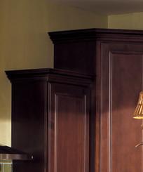 Merillat Classic® Contemporary Crown Molding