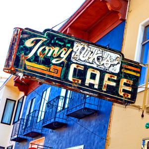 Tony Nik's // CA070