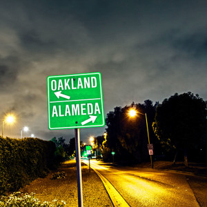 Oakland Alameda Sign // CA135