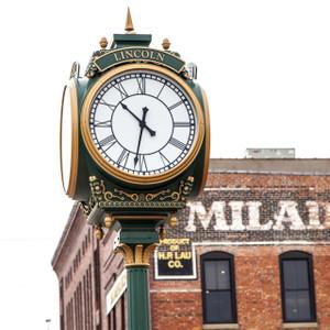 Lincoln Clock // NE017