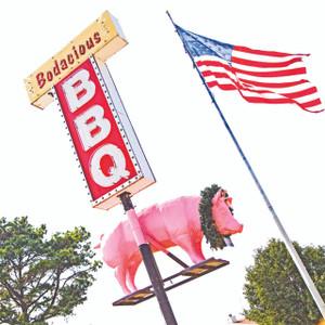 Bodacious BBQ // LA068