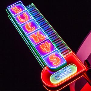 Lucky's Cafe // DTX343