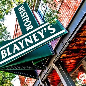 Blayney's // MO047